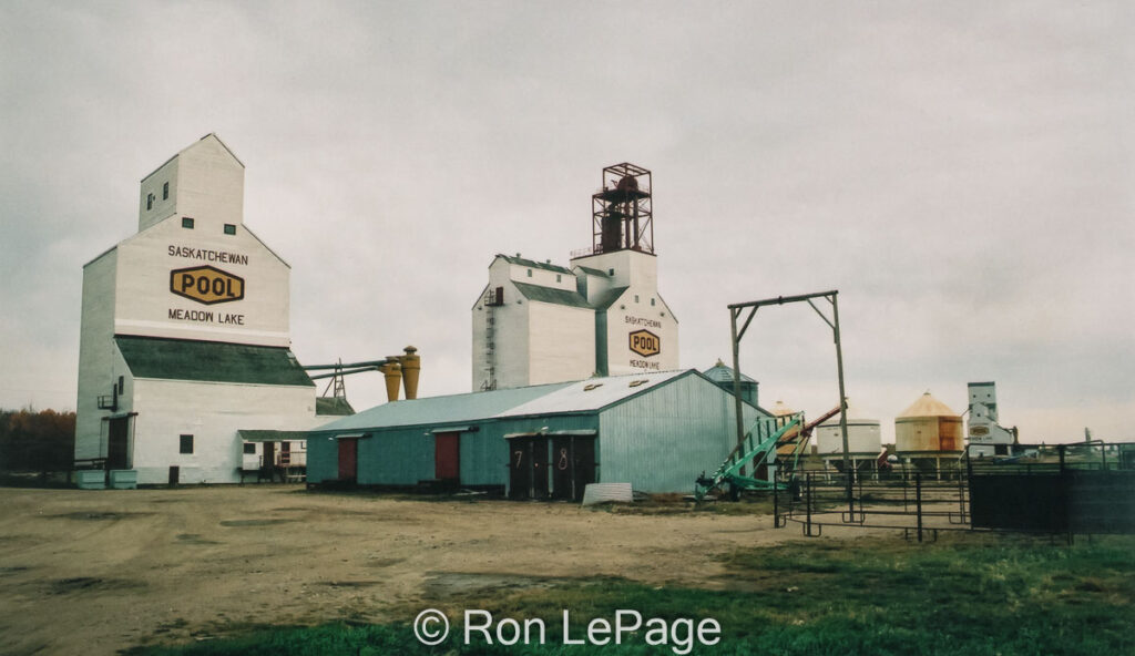 Meadow Lake, SK grain elevators, Sep 2001. Contributed by Ron LePage.