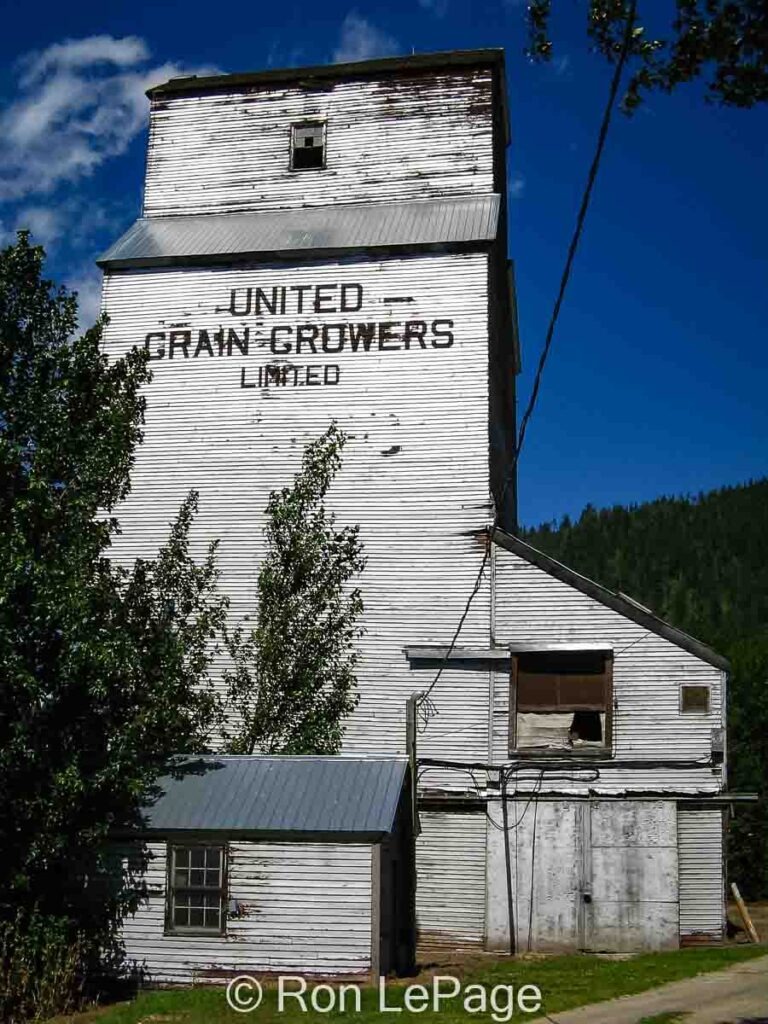 Wynndel, BC grain elevator, June 2005. Contributed by Ron LePage.