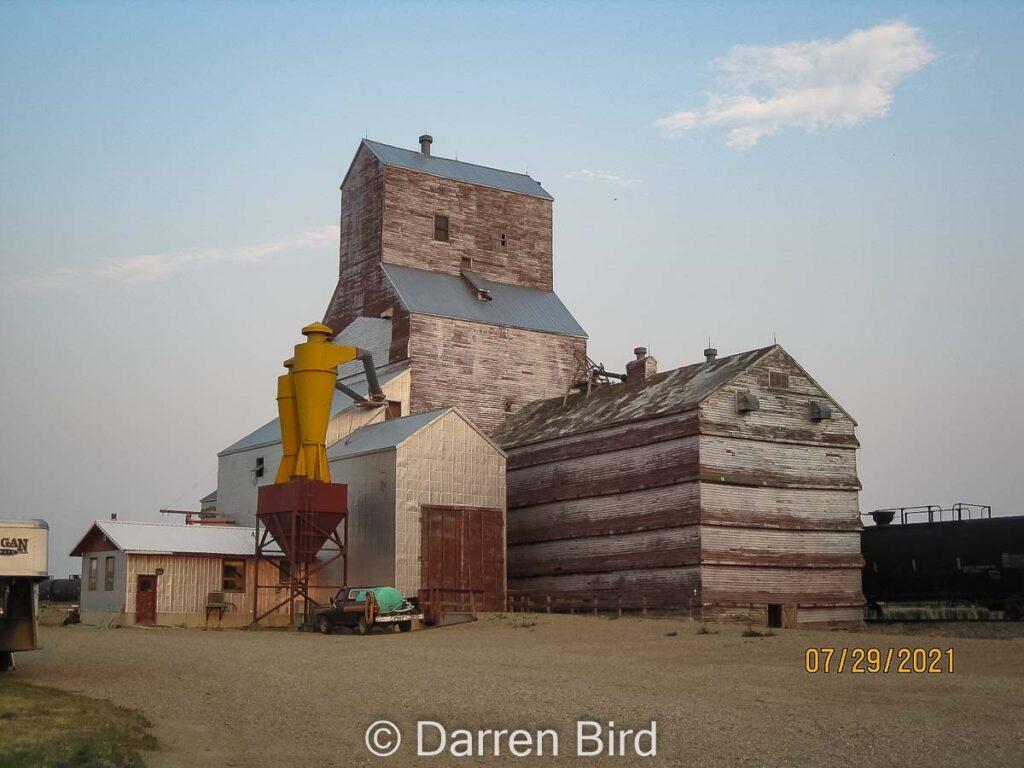 Eastend, SK grain elevator, July 2021. Contributed by Darren Bird.